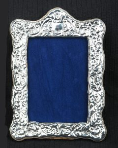 Highfield Frames HF8 Fancy Victorian Style Photo Frame